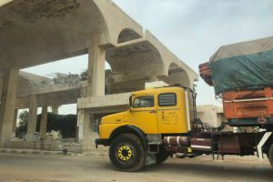 تعليمات بمنع إدخال شاحنات عربية وأجنبية فارغة الى سورية