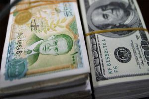الليرة السورية تتحسن 6% أمام الدولار.. وتاجر يشرح آلية التدخل