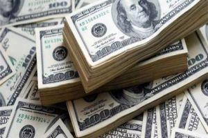 جمود الطلب على الدولار إلا من كبار التجار.. وحالة ترقب تسود السوق