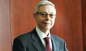 شومان يبيع 25 ألفاً من أسهمه في البنك العربي لأول مرة منذ استقالته