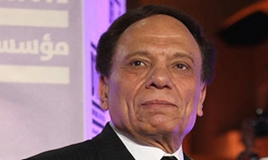 عادل إمام يتصدر قائمة أكثر 10 اشخاص دفعوا الضرائب العام الحالي في مصر