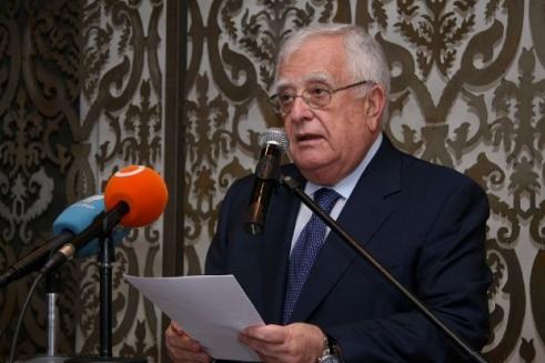 القصّار رئيساً فخرياً مدى الحياة لاتحاد الغرف العربيّة
