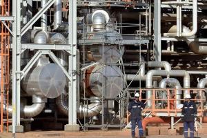 الجزائر تسمح للأجانب بالتملك الكامل للمشاريع الاستثمارية