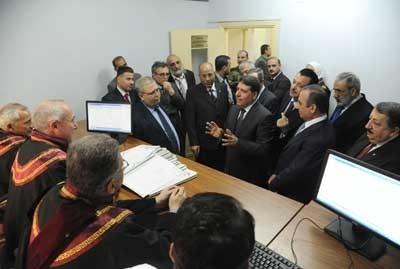 رئيس الحكومة: إطلاق مشروع خدمة التقاضي الإلكتروني دليل على بدء مرحلة الإعمار