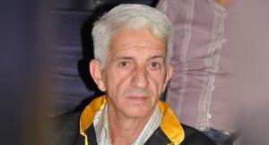 أستاذ جامعي سوري يختبر قدرة ( لقاحات الدجاج ) على مواجهة كورونا