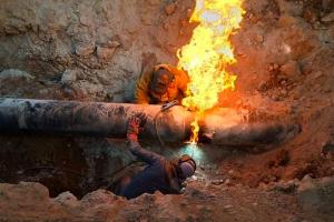 وزارة النفط السورية تعلن انتهاء إصلاح ( خط الغاز العربي )..وعودة التغذية الكهربائية للمحافظات