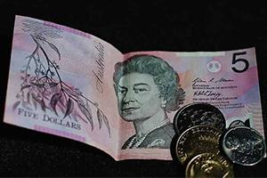 إضراب يوقف طباعة العملات الورقية في أستراليا
