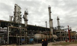 أجوكو الليبية تخفض إنتاجها النفطي بمقدار عشرة ألاف برميل يومياً