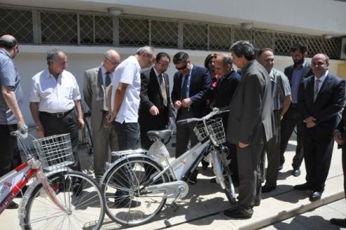بنك البركة وجامعة دمشق يطلقان الطريق الأخضر للدارجات الهوائية