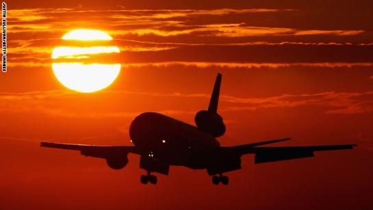 بالصور: خمس كلف إضافية يكرهها المسافرون بالطائرات