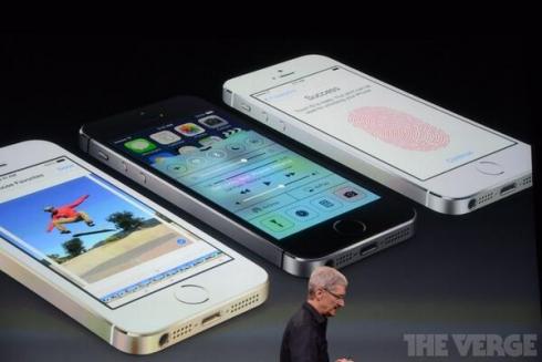 بالصور :آبل تطلق هاتفي iPhone 5S وiPhone 5C