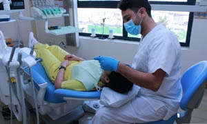 نقابة أطباء سورية: شطب كل طبيب غادر البلاد دون علمها