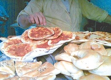 أسعار جديدة للمعجنات في أسواق دمشق..وقرص الزعتر بـ30 ليرة