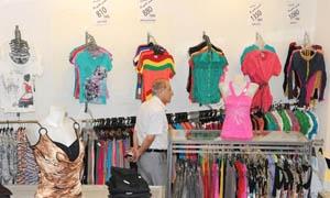 تموين اللاذقية: تنظيم 425 ضبطاً للمخالفين في أسواق الألبسة منذ بداية العام