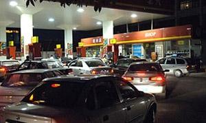 مجلس محافظة دمشق: تمديد ساعات عمل محطات الوقود للعاشرة ليلاً ومنع بيع البنزين بالكالونات