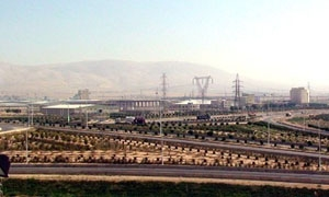 الحسن: إعادة تشغيل 325 معملا في المدينة الصناعية بعدرا