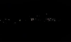 الكهرباء تعود تدريجياً بعد انقطاعها بشكل كامل عن دمشق والمنطقة الجنوبية مساء أمس