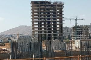 إنهاء أول بناء  في ماروتا سيتي مع أخطاء هندسية وخلافات في حجم الاستثمار..خبير: المشروع يحتاج لـ10سنوات للسكن !!