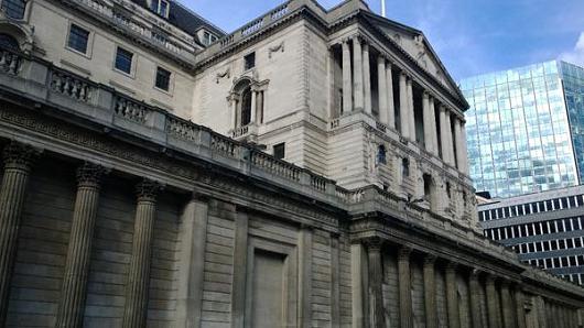 بنك انجلترا يعتزم طرح عملة بلاستيكية لفئة 20 جنيه استرليني