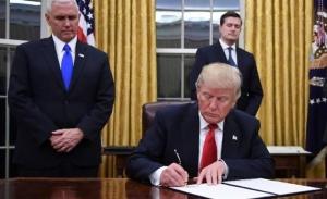 ترامب يمدد مساعدات الأميركيين الاقتصادية