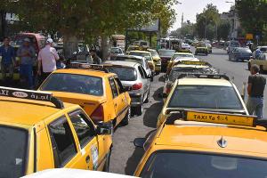 محافظة دمشق: إنفراج في أزمة البنزين خلال يومين.. وتأخر توزيع الغاز سببه نقص التوريدات
