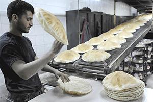 ربطة الخبز تنقص رغيفاً في دمشق