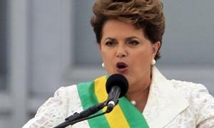 فضيحة رشاوى البرازيل تهوي بالعملة وتهدد رئيسة البلاد