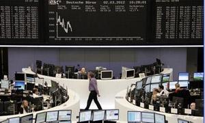 الاسهم الاوروبية والامريكية تتراجع وسط بيانات اقتصادية عالمية ضعيفة