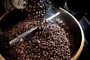 جولة على الأسعار في الأسواق.. اللحوم الحمراء ترتفع 66 بالمئة و القهوة 409% ليصل الكيلو إلى 3500 ليرة