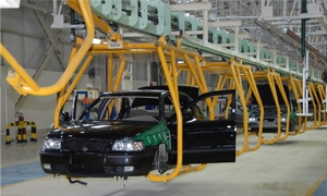الصناعة تطالب بتخصيص القطع الأجنبي لدى المركزي لسيارات شام