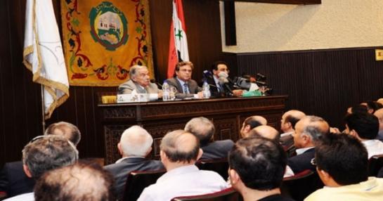 حاكم مصرف سورية المركزي للتجار: لثبيت سعر الصرف حددوا قيمة مستورداتكم لثلاث أشهر بالليرة السورية
