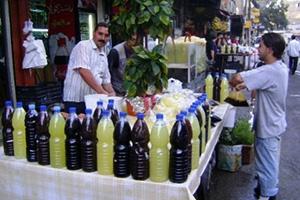 اليوم..لهيب الأسعار يصل إلى مشروبات المائدة الرمضانية في سورية