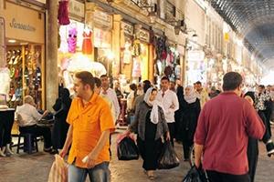 تاجر: الجمود ضرب أسواق العيد بنسبة 70% وعجلة الدوران مهددة بالتوقف