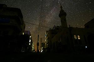نتيجة انقطاع الكهرباء الدائم.. محافظ دمشق يوجه بتركيب ليدات بأحياء دمشق