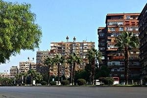 في دمشق: مخالفة 5 آلاف ليرة لمن ينشر السجاد على شرفات المنزل أو يقلي الفلافل بالشوارع!!