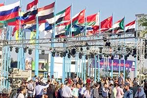 حدث في معرض دمشق الدولي: حصلوا على إجازات استيراد كوتا مقابل 3 آلاف دولار من تحت الطاولة!!