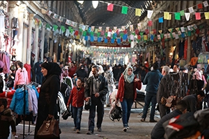 أكاديمي: قيام بعض التجار في سوريا بالتوقف عن البيع لعدم إستقرار الأسعار( إجراء غير مبرّر)