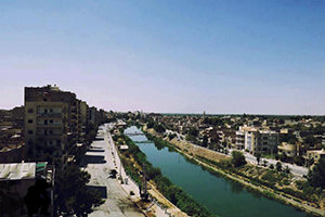 محافظ دير الزور : 450 مليون لترحيل أنقاض حي الحميدية