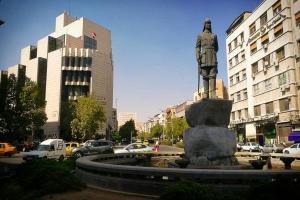محافظ دمشق يصدر قرار بإلغاء عقود 1000 عامل لأسباب مادية.. و الآن أصبحوا بلا عمل!!