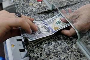 انخفاض حوالات المغتربين السوريين من 10 ملايين إلى مليوني دولار يومياً