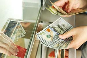 وزير المالية يقول: المضاربات و الإعلام من العوامل التي تؤثر على سعر الصرف في سورية