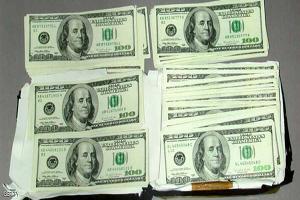 الدولار يرتفع  من أدنى مستوى في 3 أشهر بدعم من هبوط اليورو