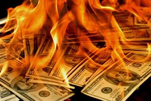 هل حان الوقت لعملة جديدة تكون بديلا للدولار؟ وماهو الملاذ الآمن للاستثمار؟