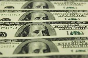 تراجع الدولار مقابل عملات رئيسية بسبب سندات الخزانة