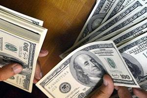مسؤول حكومي: هناك جهة ما تلعب بسعر صرف الدولار في سورية