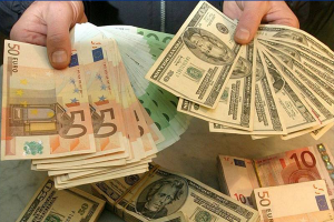 لماذا يجب شراء اليورو بدلا من الدولار في 2021؟