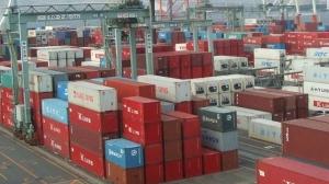 اقتصاد درعا تمنح  222 إجازة استيراد بقيمة 17,9 ملياراً