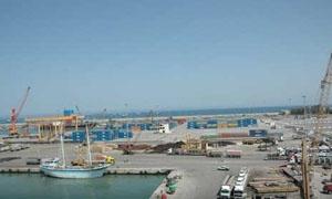 18 سفنية تفرغ حمولتها  في مرفأ طرطوس محملة بالأرز والسكر والذرة والسماد