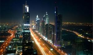 محمد بن راشد يعلن تحويل دبي إلى