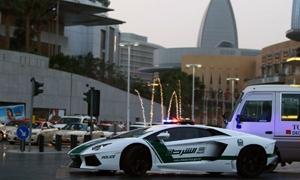 فيرارى ولامبورجينى ومرسيدس SLS وبنتلى كونتيننتال GT لدوريات شرطة دبى